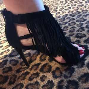 Steve Madden black suede fringe sandals. 4 in heel